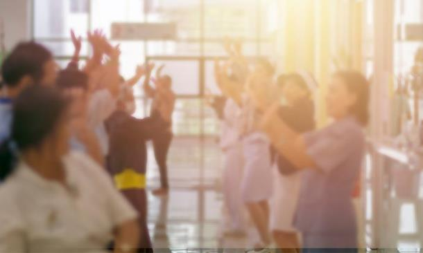 Медбрат выучил танец ради пациентки