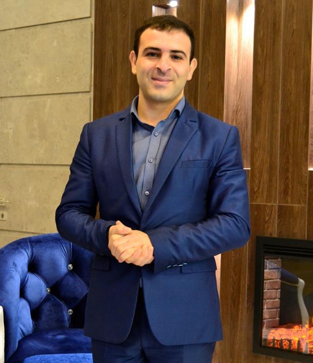 Управляющий отеля Севан Аракелян