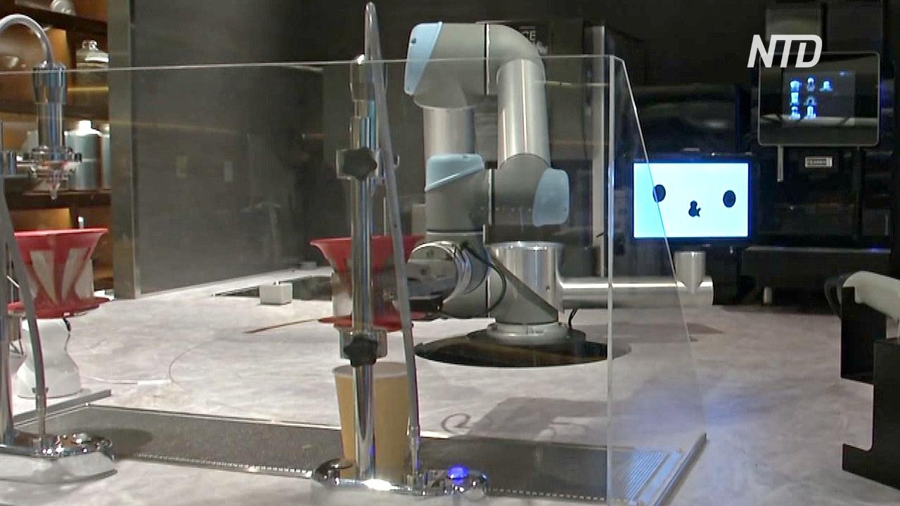 Новый робот-бариста поболтает с вами в токийском кафе