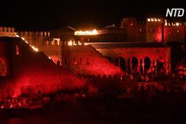 В новом тематическом парке Испании проводят зрелищные выступления