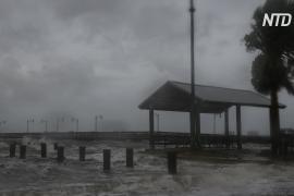 На Багамы доставляют гумпомощь после урагана «Дориан»