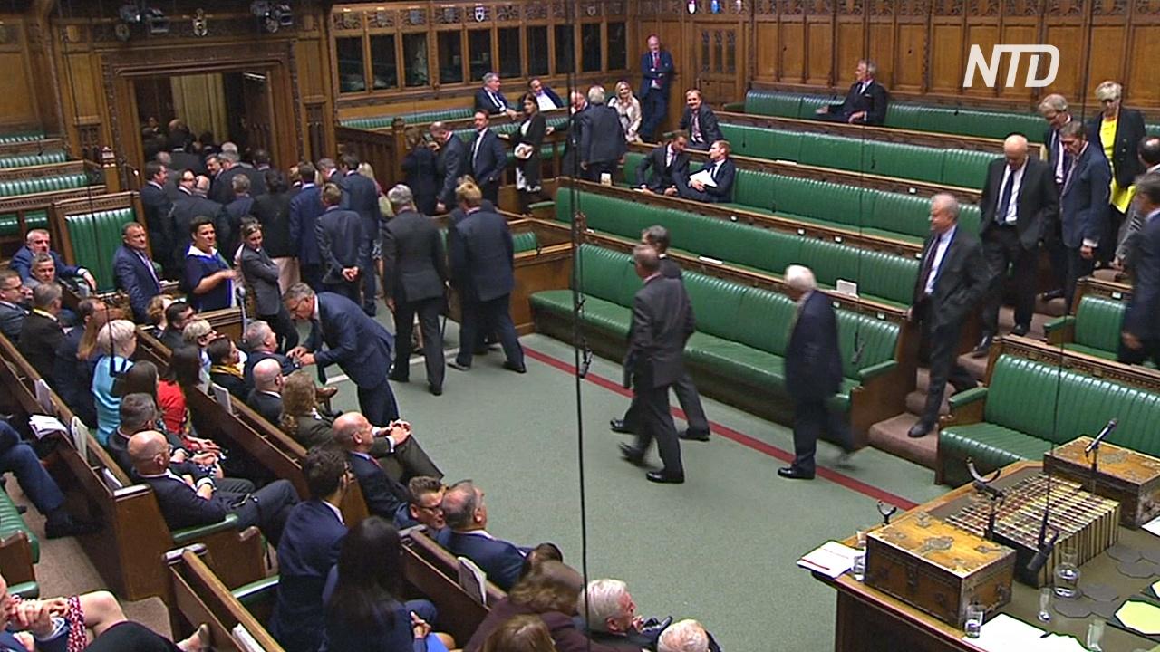 Британский парламент ушёл на перерыв, не утвердив досрочных выборов