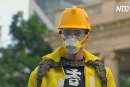 Житель Гонконга делает кукольные копии протестующих