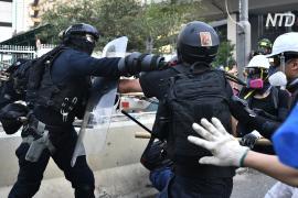 Amnesty International обвинила полицию Гонконга в чрезмерном применении силы в отношении протестующих