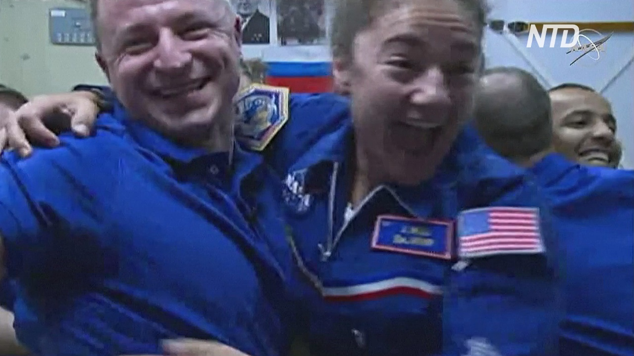 На МКС поприветствовали новых членов экипажа
