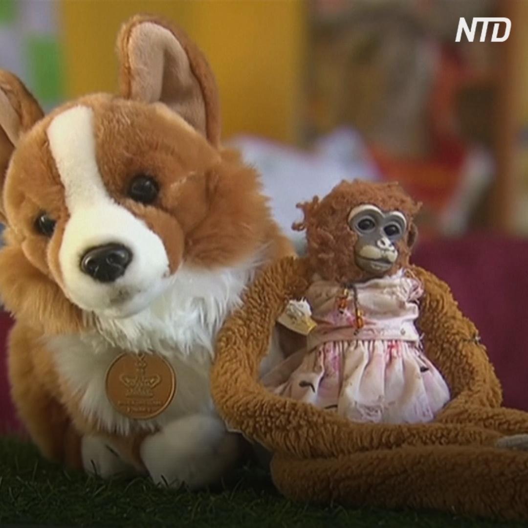 Британская королева вернула девочке из Австралии потерянную игрушку