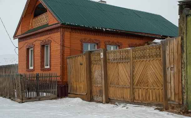 Остров Ольхон. Деревянный дом