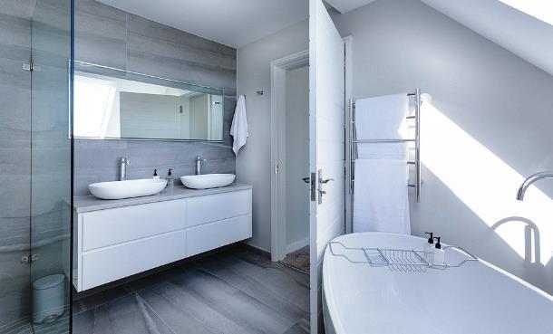 Оборудовать ванную комнату, не выходя из дома, поможет Van-dekor