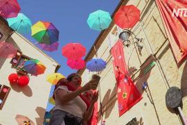 Фестиваль клоунов в Италии: комики призывают почаще смеяться