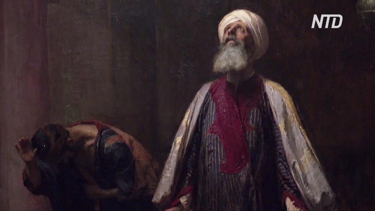 Связь Востока и Запада в искусстве проследили на выставке в Лондоне