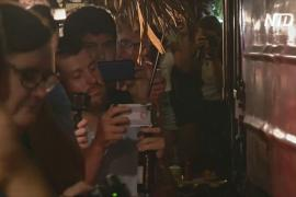 Железнодорожная улочка в Ханое: кафе закроют из-за любителей фото