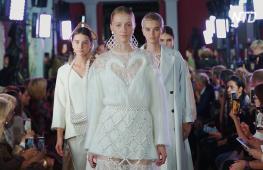 Показ Алёны Ахмадуллиной открыл Неделю моды Mercedes-Benz в Москве