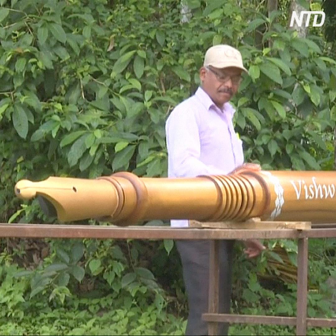 Деревянная ручка-перо длиной почти 6 метров