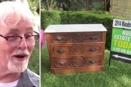 Мужчина купил старинный комод и нашёл там сокровища