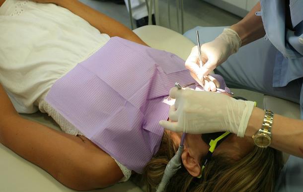 Залог здоровья и красоты зубов — профессиональная чистка