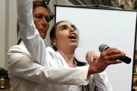 Девушка с церебральным параличом поёт голосом оперной певицы
