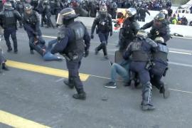 Французские силовики разогнали каталонцев, протестующих на границе