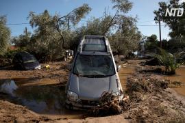 Греческий городок приходит в себя после наводнения