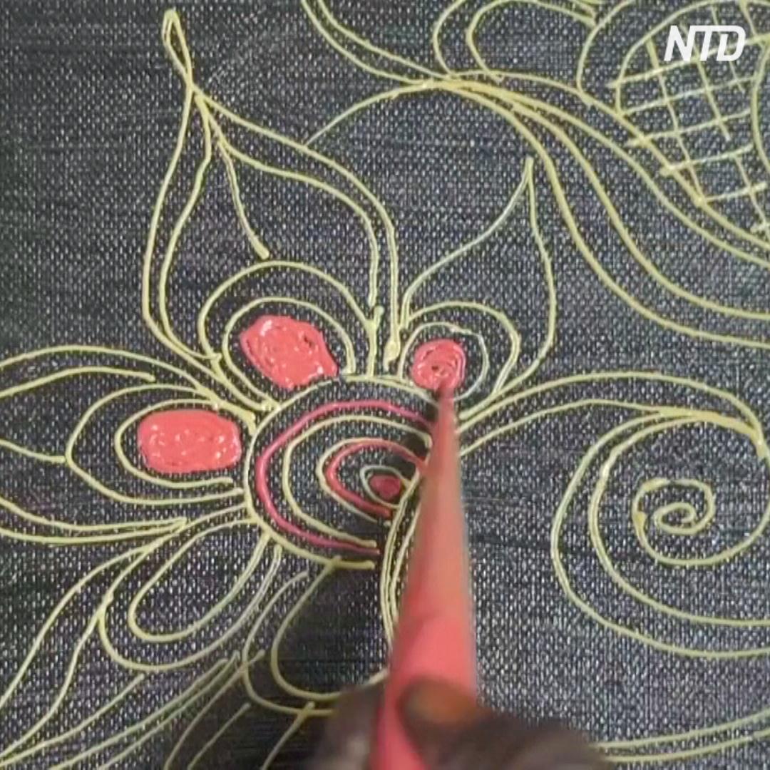 Рисунки хной на Занзибаре перенесли с рук на холст