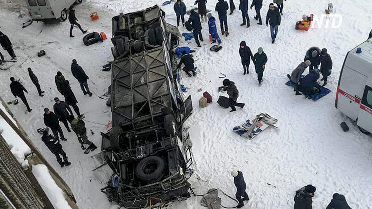 В Забайкалье упал с моста автобус: 19 человек погибли, 22 пострадали