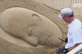 Мастера из 100 стран создают песчаные скульптуры на индийском пляже