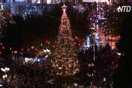 Афины открыли рождественский сезон несмотря на кризис