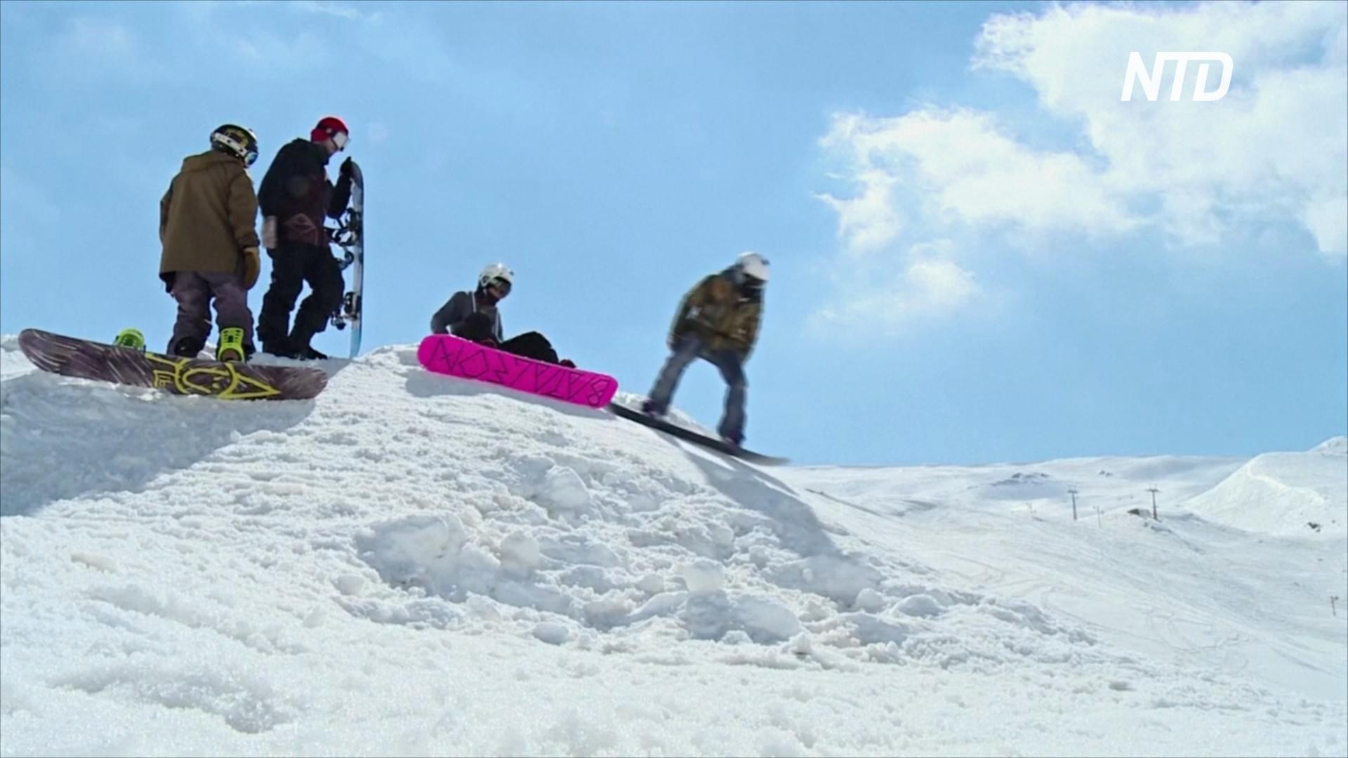 Иранцы катаются на лыжах, несмотря на экономические трудности