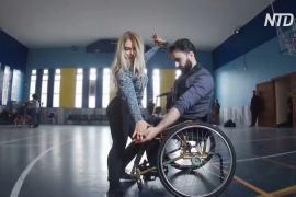 В Сирии инвалиды в колясках учатся танцам