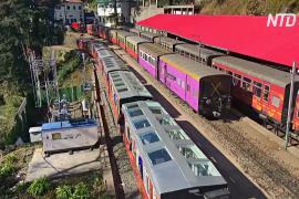 В Индии запустили первый поезд со стеклянным потолком
