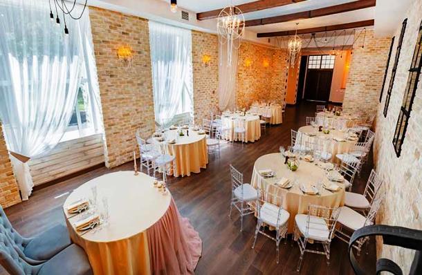Банкетный зал для свадебного торжества в Северной столице