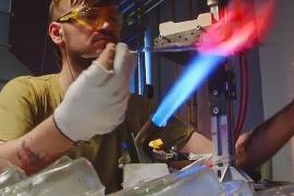 Как делают ёлочные игрушки на нижегородской фабрике