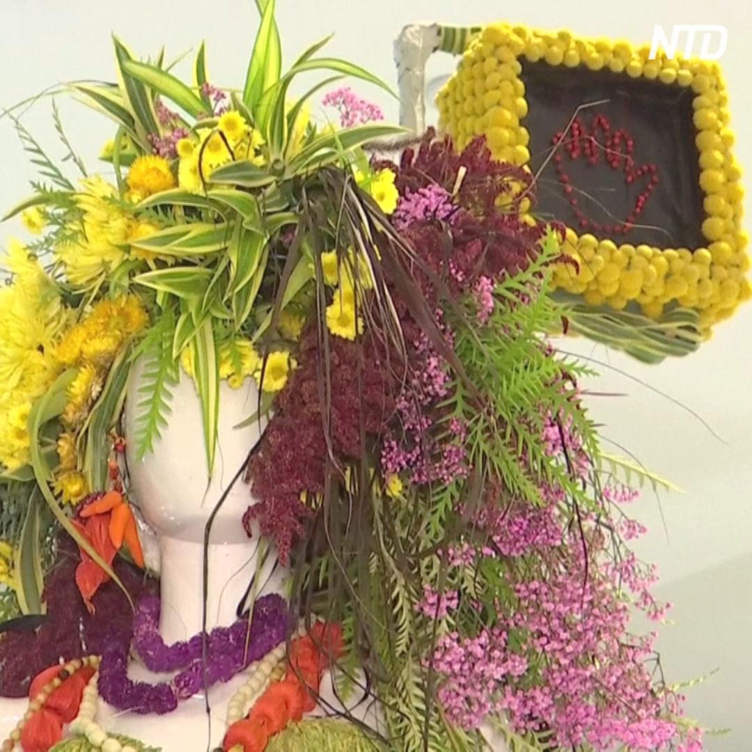 Манекены в магазинах Нью-Йорка одели в живые цветы