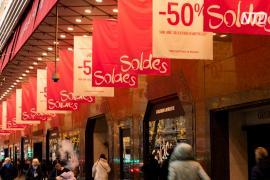 Зимние распродажи не принесли облегчения магазинам Парижа