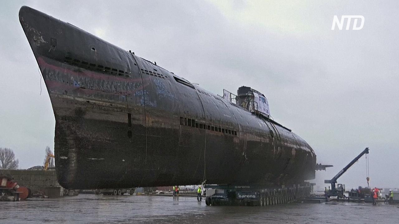 Заброшенная подводная лодка в порту Амстердама отправилась на утилизацию