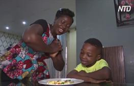 Забавная еда: нигерийка придумала, как вдохновлять детей есть