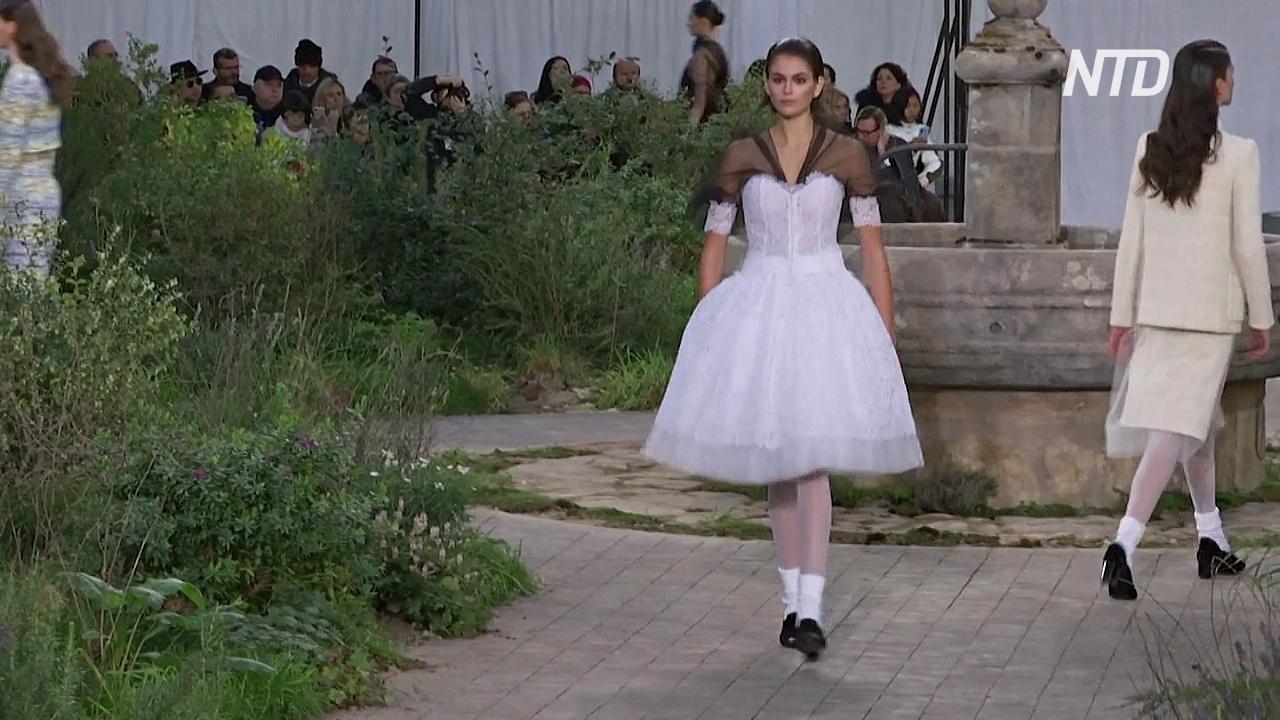 Chanel показал «монашескую» коллекцию
