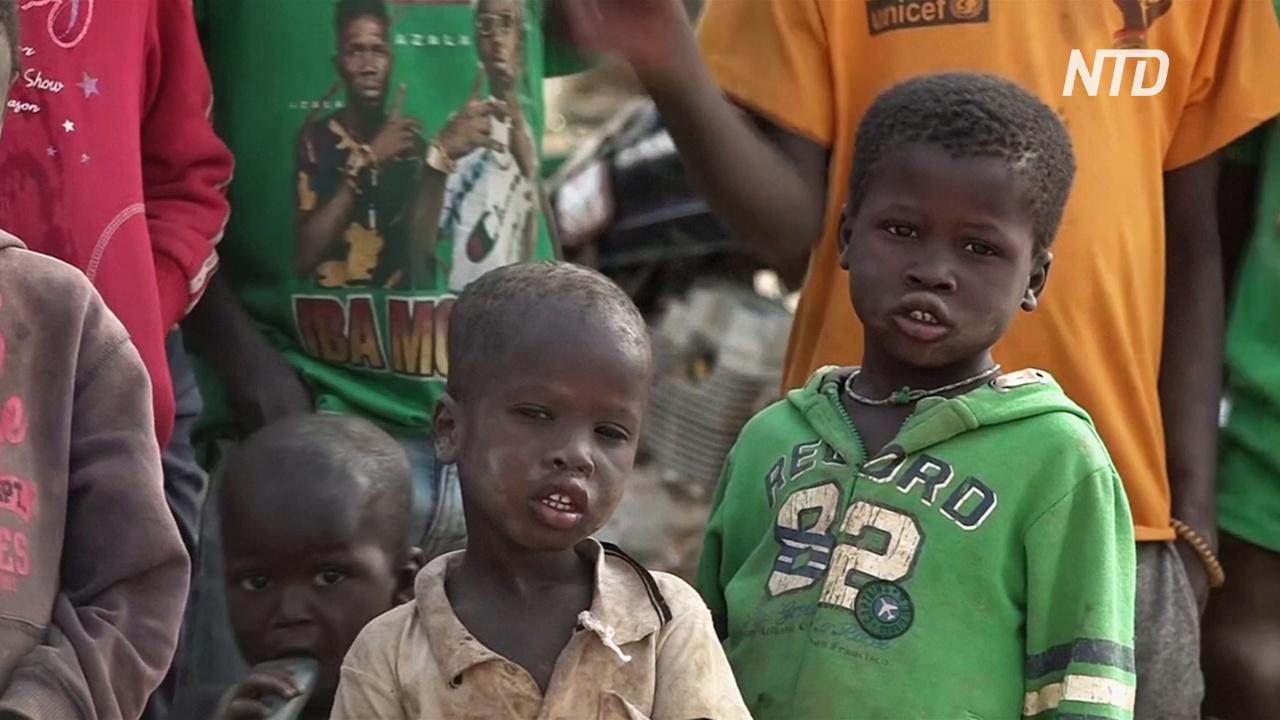 Атаки исламистов в Буркина-Фасо заставляют людей бежать из домов