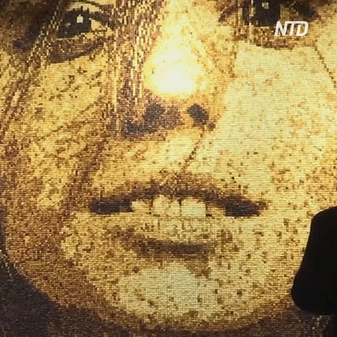 Как выглядит картина из 40 000 гренок