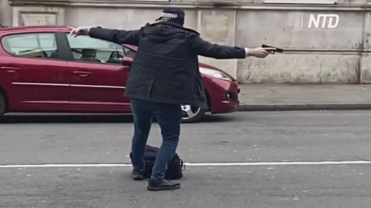 Напавший на прохожих с ножом в Лондоне недавно вышел из тюрьмы