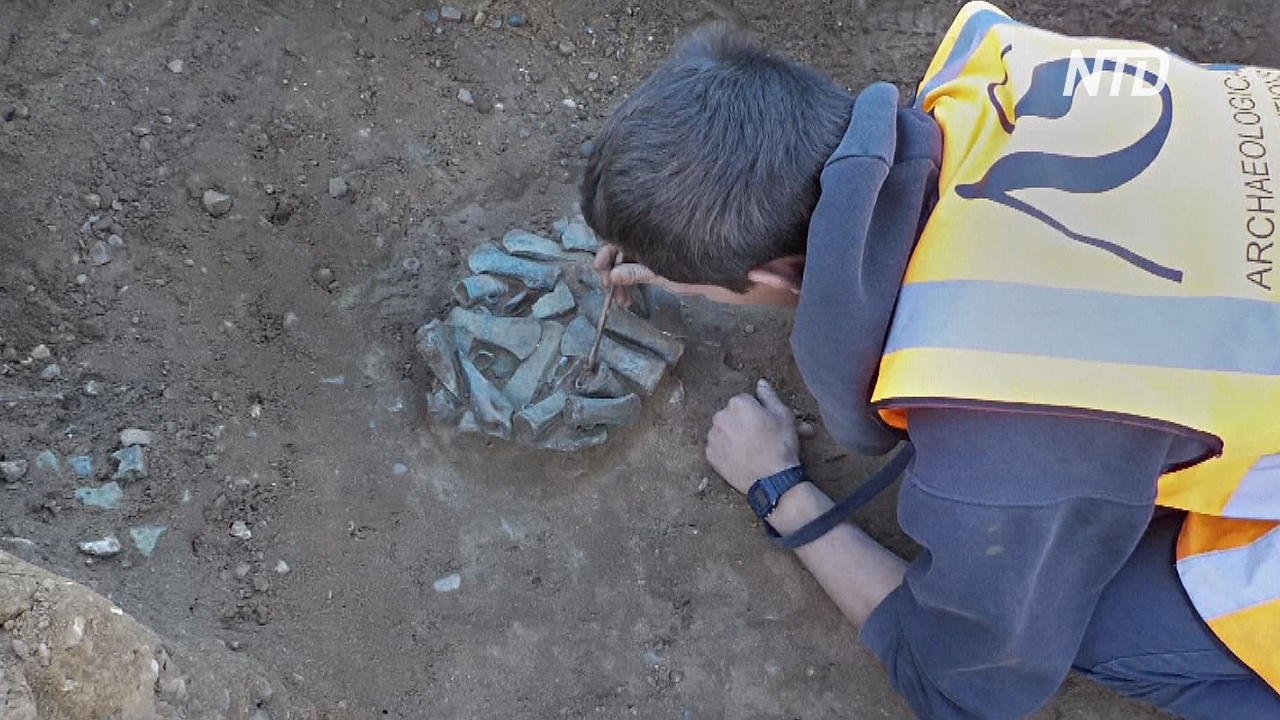 Найденные у Темзы сокровища бронзового века покажут в Лондоне