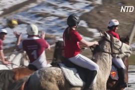 Французы и канадцы сыграли в хорсбол в Кыргызстане