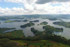 Угандийское озеро Буньони привлекает туристов красотой и безмятежностью