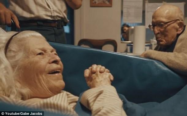3 14 - Супруги возрастом 205 лет на двоих отметили 80-ю годовщину свадьбы
