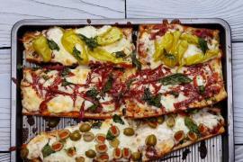 Два варианта быстрой пиццы на хлебе