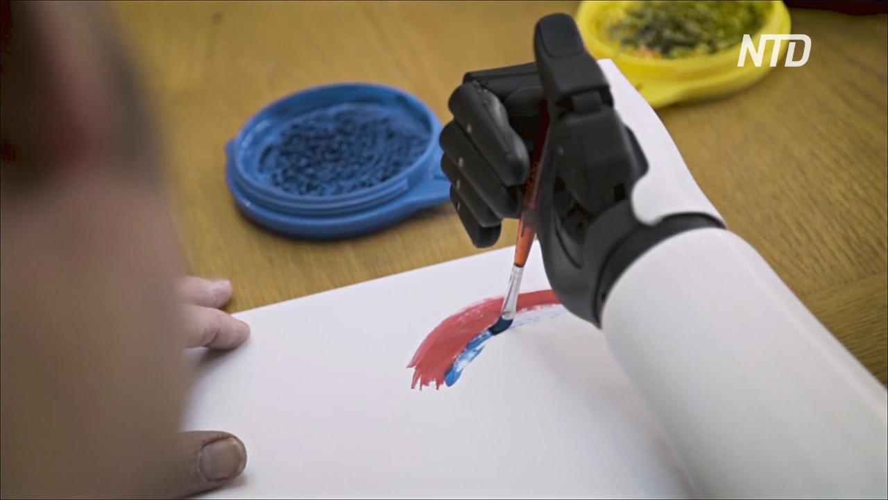 Бывшему британскому десантнику сделали бионическую руку за счёт государства