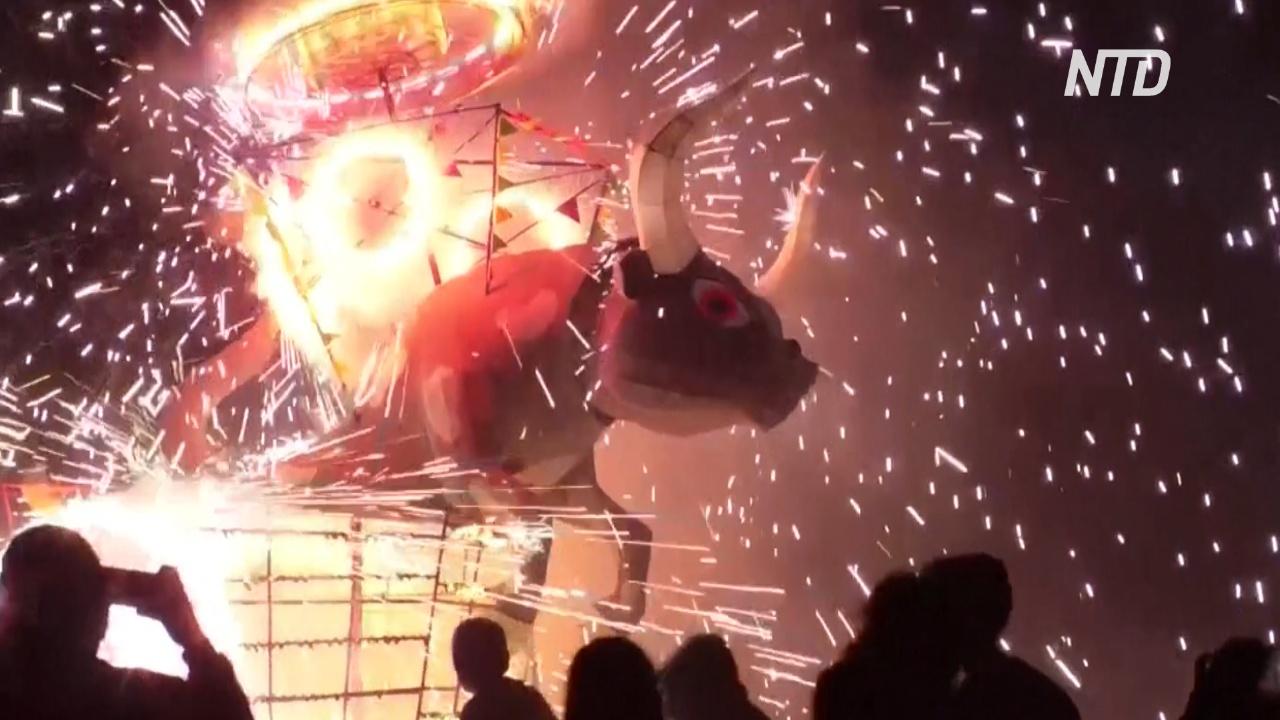 Огни и взрывы: в Тультепеке отмечают фестиваль фейерверков
