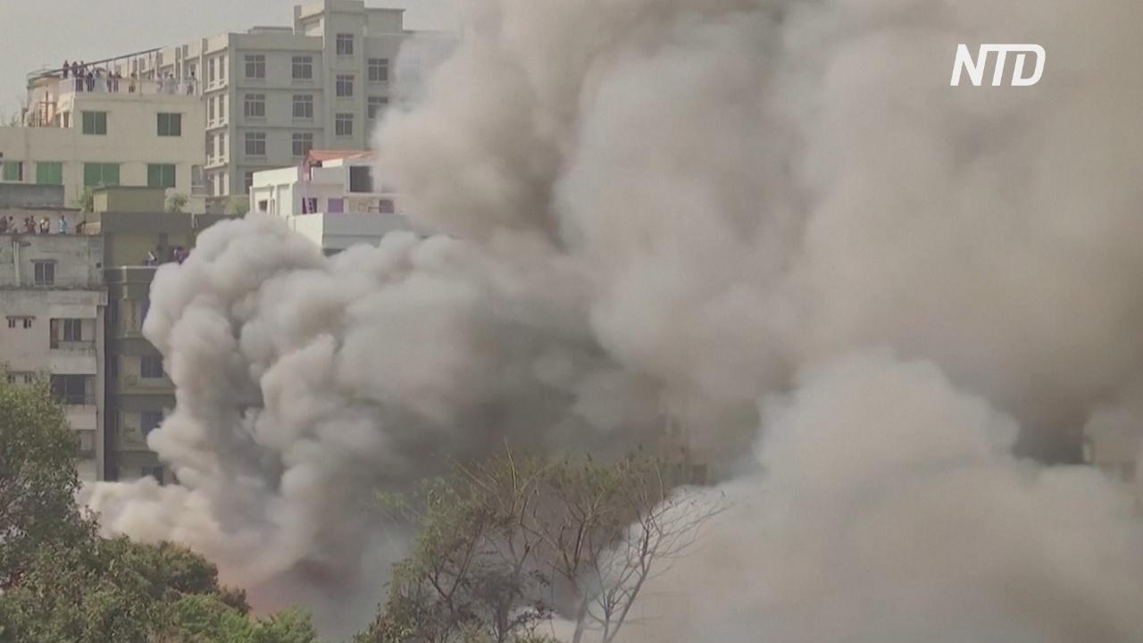 В столице Бангладеш сгорел район с трущобами