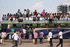 В Индии тысячи рабочих возвращаются в деревни и могут занести туда коронавирус