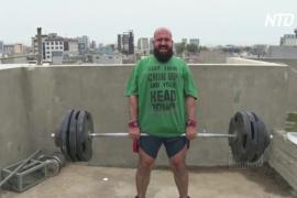 Спортзал на крыше: иракские тяжелоатлеты не бездельничают на карантине