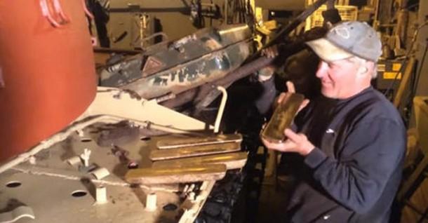 3 9 - Мужчина обнаружил в боевом танке золото на сумму $2,4 млн
